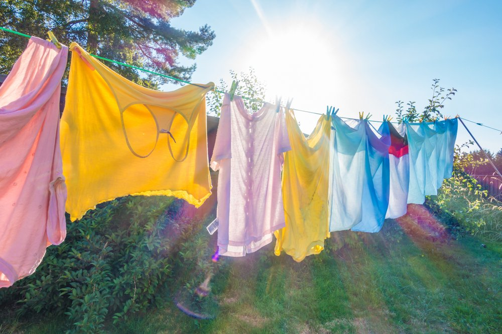 Clothes hanging on a washing line to dry(Matthew Ashmore)s