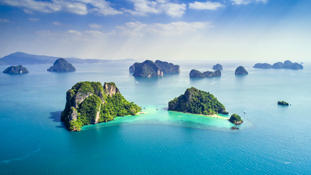 Thailand green lush tropical island in a blue and turquoise sea(Huw Penson)S
