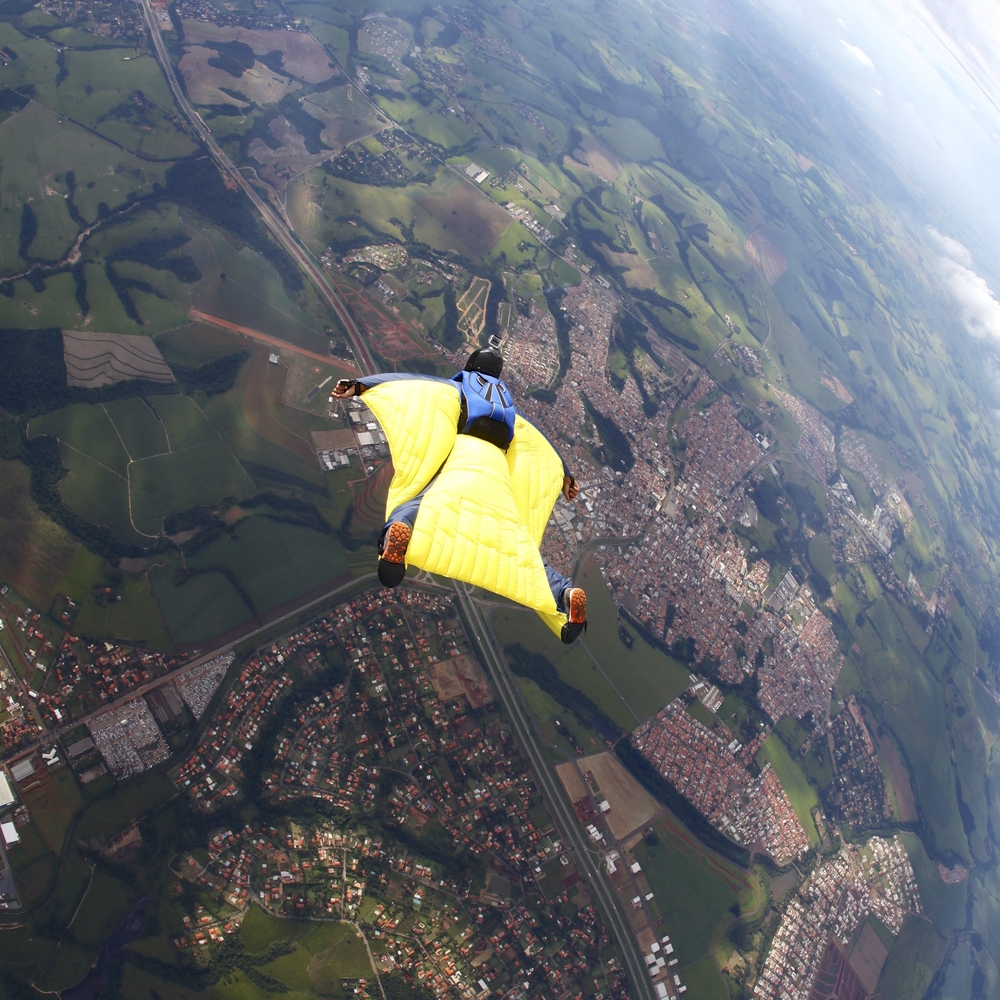 skydiver yellow wing suit flying(Rick Neves)S