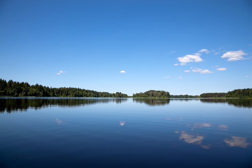 Blue sky and blue lake(Evgeniia Ozerkina)s