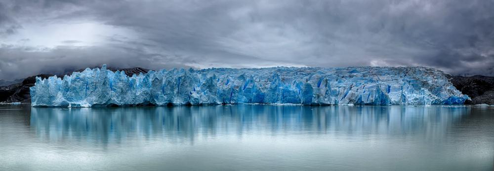 Front of Grey Glacier at Torres del Paine N.P(Henner Damke)S