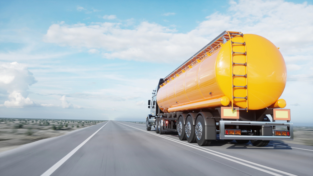 Gasoline,Tanker,,Oil,Trailer,,Truck,On,Highway.,Very,Fast,Driving.