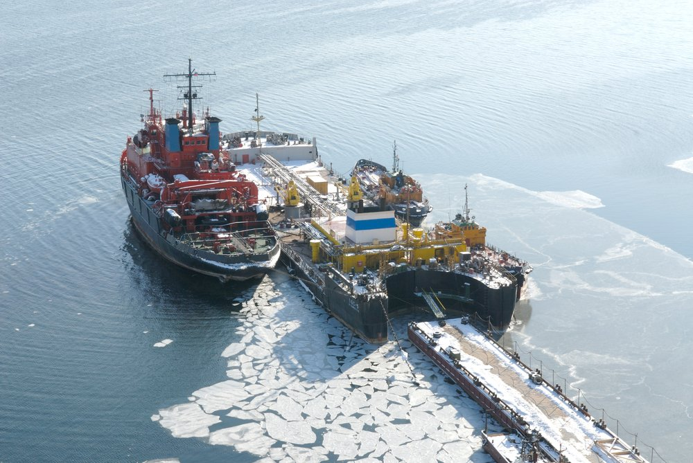 Fresh,Snow,In,The,Port,City,Of,Vladivostok,,With,Ships