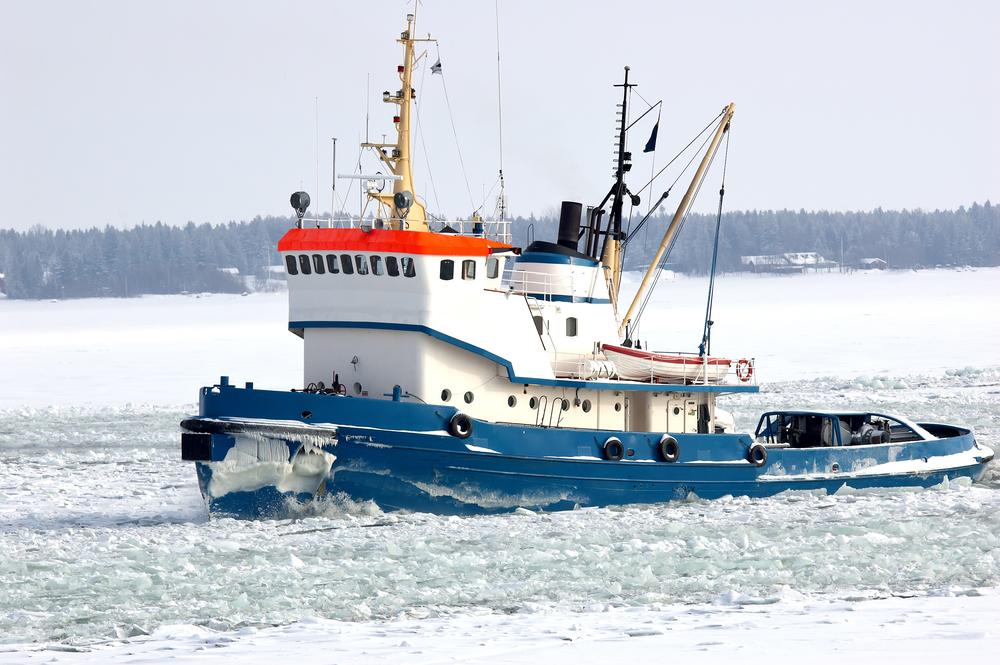 Tug,Boat,Breaking,Ice