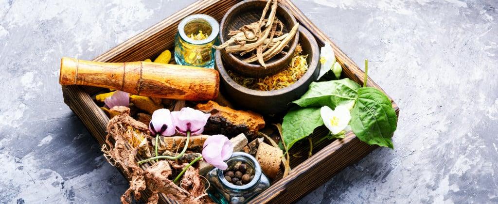 alternative-herbal-medicine_t20_nobwl4