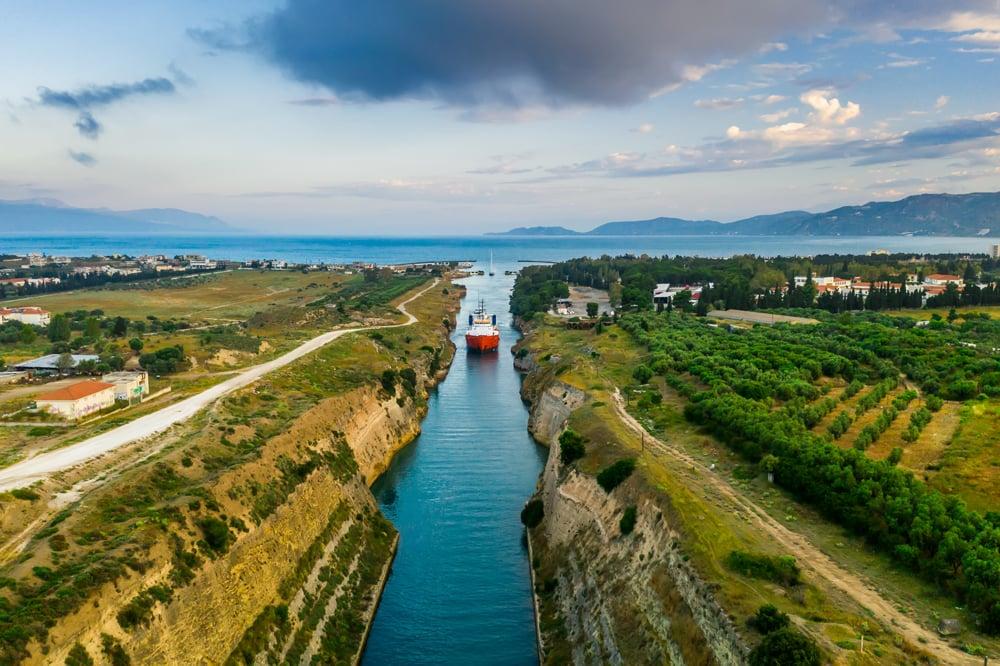 ship-passing-through-corinth-canal-in-greece-YT3MGDU