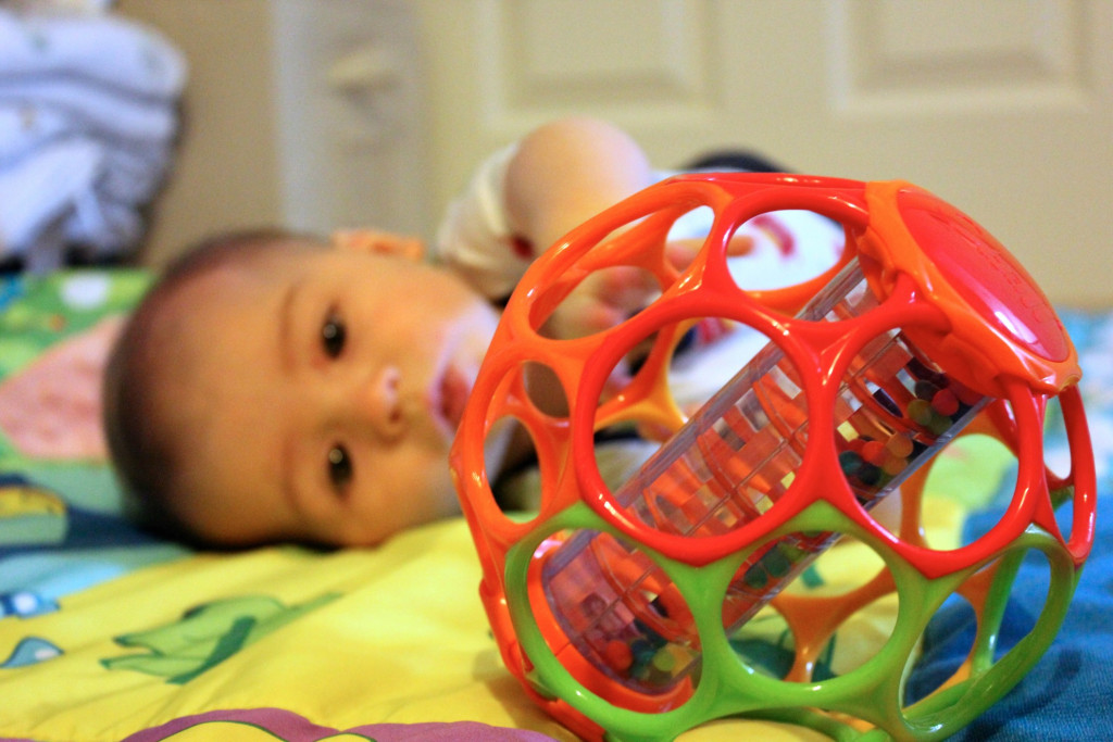 colorful-playing-fun-cute-happiness-child-baby-baby-boy-face-toy_t20_oEOw1P