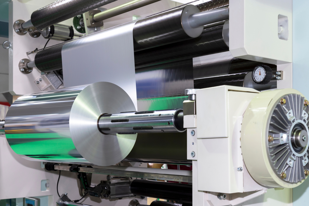 Roll,Of,Aluminum,Foil,For,Food,Packaging,On,Automatic,Packing